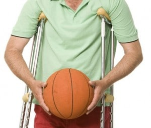 basketball player on crutches